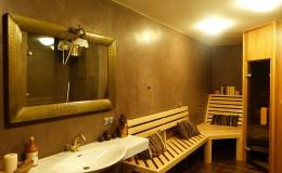 14_koupelna se saunou v marockém štuku